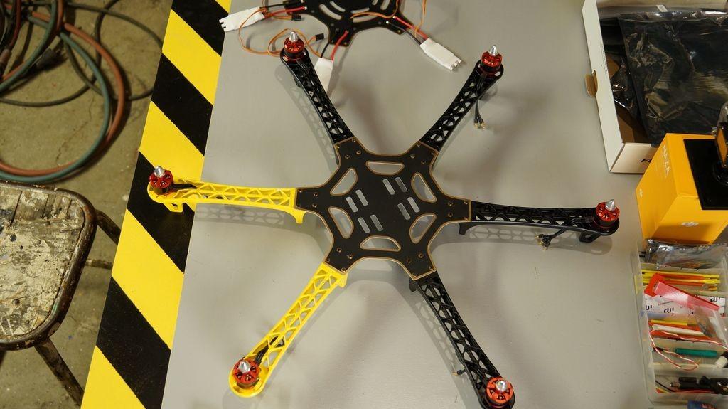 Drone hexacopter DJI F550